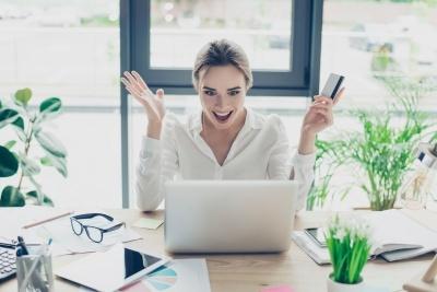 ブログで稼ぐ女性